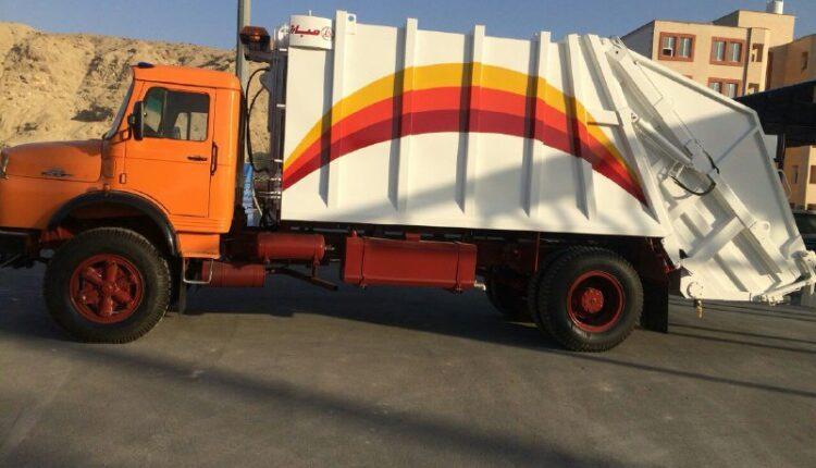 اولین ماشین مکانیزه جمع اوری زباله ۱۰ تنی در شهرداری بندرخمیر